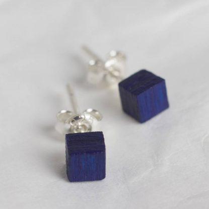 """Auskarai iš medžio su sidabrinių įvėrimu """"Basic blue"""""""